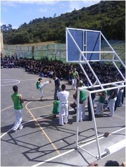 20120208012014-cancha-colegio.jpg